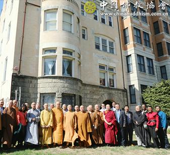 中国佛教代表团访问美国基督教组织 开展友好交流对话